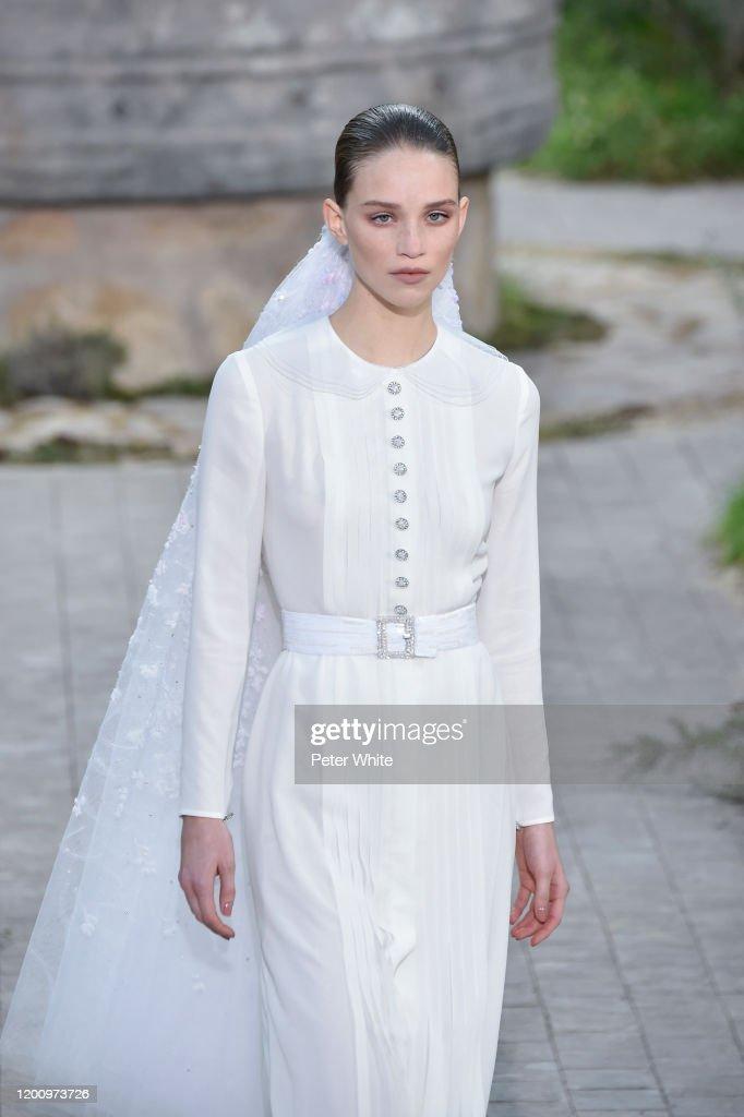 Chanel : Runway - Paris Fashion Week - Haute Couture Spring/Summer 2020 : News Photo