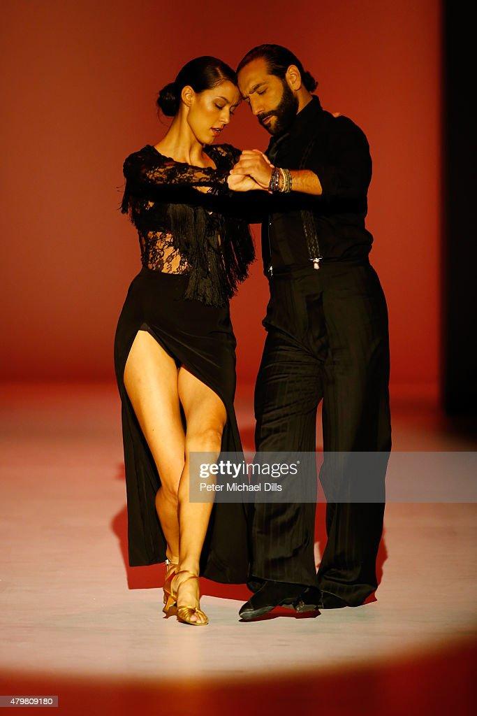 Riani Show - Mercedes-Benz Fashion Week Berlin Spring/Summer 2016 : ニュース写真