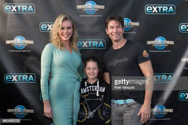 Rebecca Romijn Charlie Tamara Tulip O'Connell and Jerry O'Connell visit 'Extra' at Universal Studios Hollywood on December 11 2017 in Universal City...