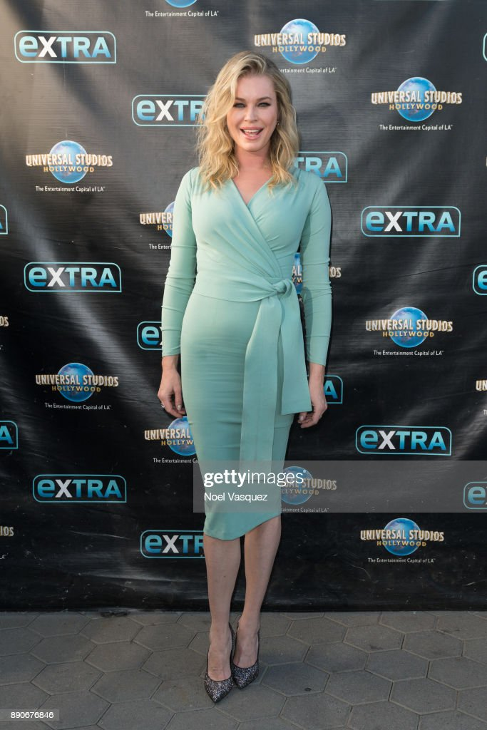 "Rebecca Romijn Visits ""Extra"""
