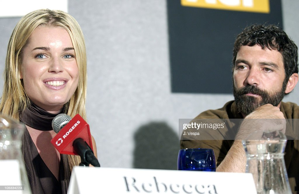 "2002 Toronto Film Festival - ""Femme Fatale"" Press Conference : News Photo"