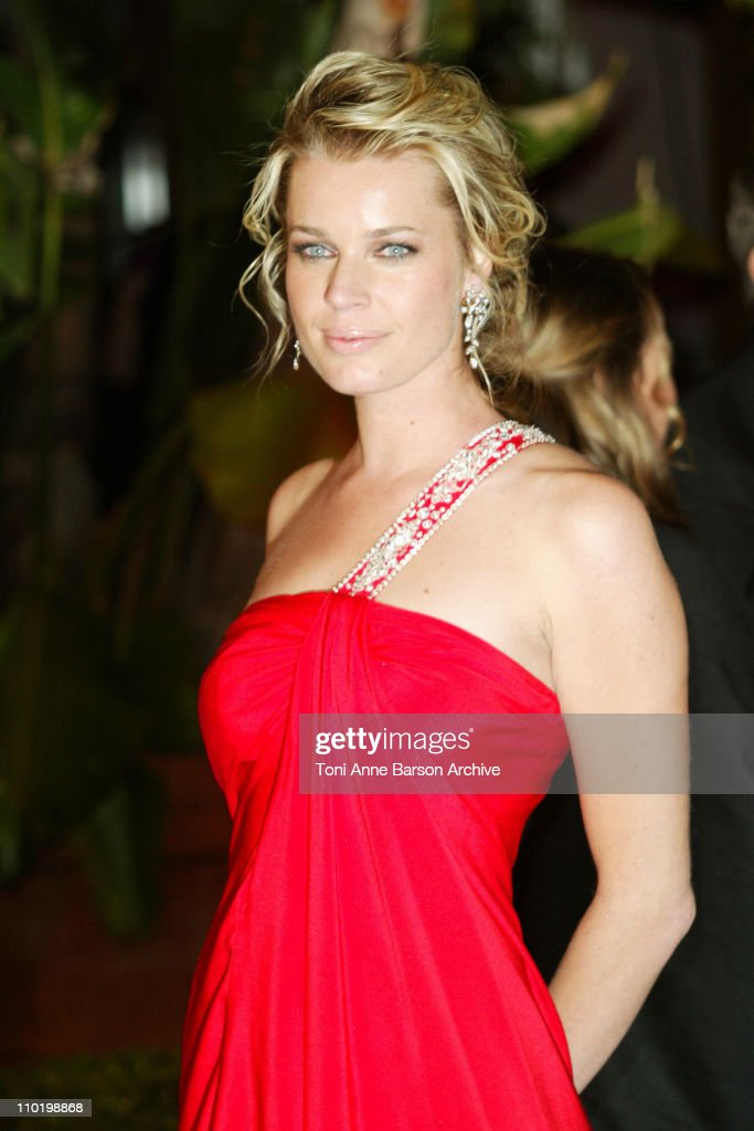 Rebecca Romijn-Stamos during 2004 Vanity Fair Oscar Party - Arrivals at Mortons in Beverly Hills, California, United States.
