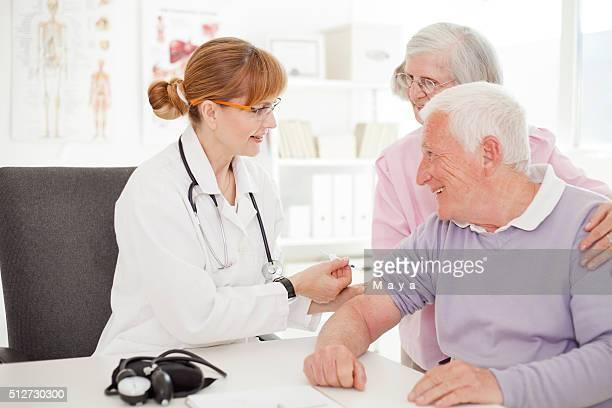 Recibir inyecciones de insulina