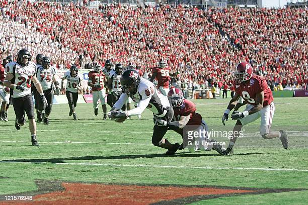 Receiver Jarrett Hicks of Texas Tech stretches out to score a touchdown against Alabama during the ATT Cotton Bowl in Dallas Texas on January 2 2006...