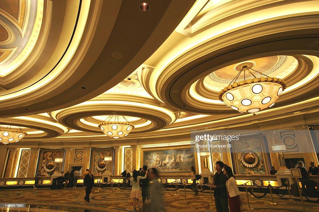 casino royale titanic