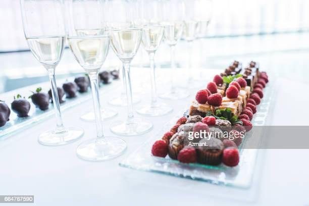 Receptionen drycker och sötsaker