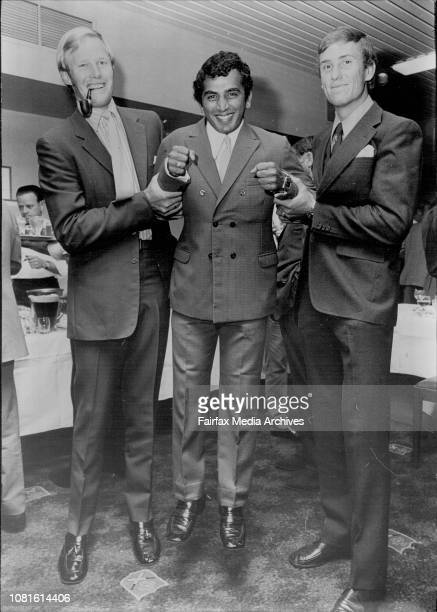 Reception for the Rest of the World cricket team held at the Cricket Club cityLeft to Right Rest of the world players Toni Greig Sunil Gavaskar and...