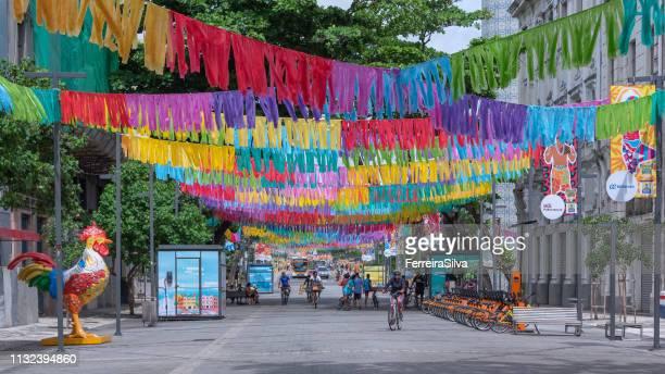 recife stadt für den karneval 2019 dekoriert - recife stock-fotos und bilder