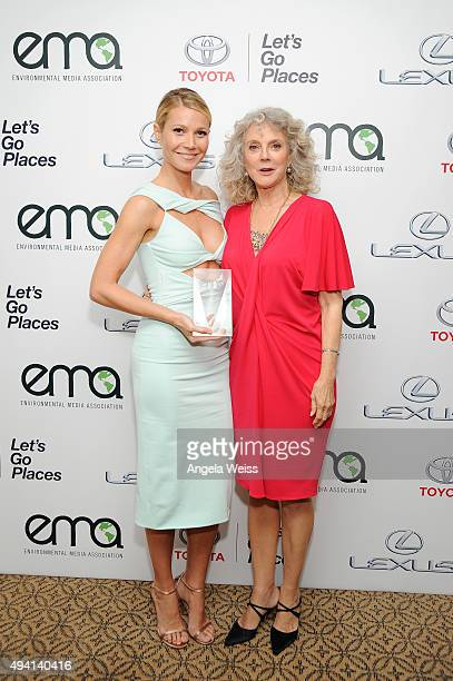 Recipient of the EMA Green Parent Award Gwyneth Paltrow and Blythe Danner pose backstage during the 25th annual EMA Awards presented by Toyota and...