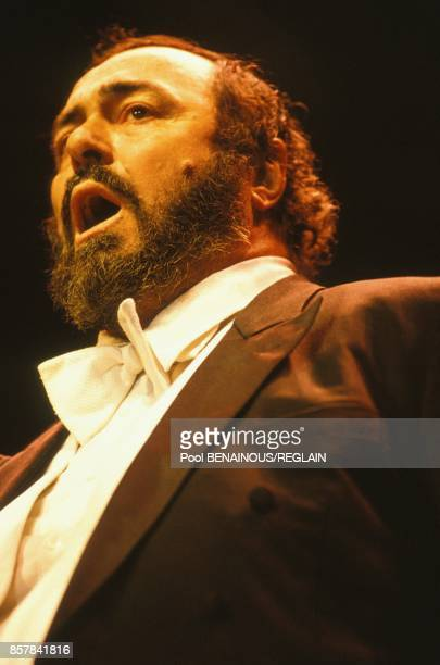 Recital du tenor Luciano Pavarotti sur le Champ de Mars le 20 septembre 1993 a Paris France