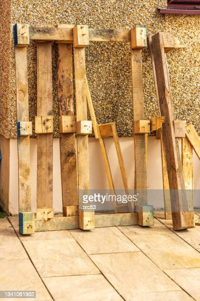 reclaimed pallet wood - pallet industrial equipment stock pictures, royalty-free photos & images