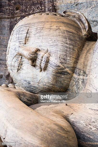 reclining buddha in nirvana at gal vihara rock temple, polonnaruwa, unesco world heritage site, sri lanka, asia - lanka stock pictures, royalty-free photos & images