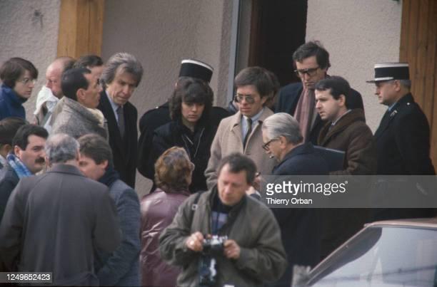 Reconstitution de l'emploi du temps de Christine Villemin le jour du meurtre en présence du juge JeanMichel Lambert et de maître Paul Lombart