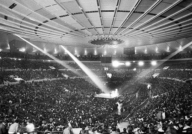 A record crowd of 19,959 jams Madison Square Garden for the