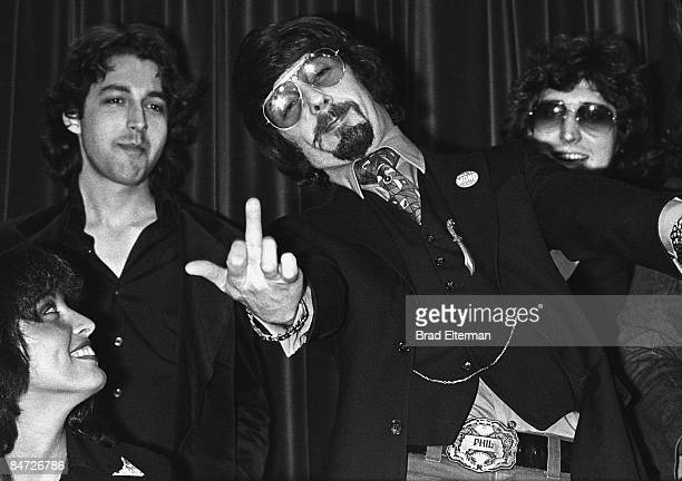 Record producer Ronee Blakley and Phil Spector at a press conference at the Magic Castle circa 1978 in Los Angeles, California.**EXCLUSIVE**