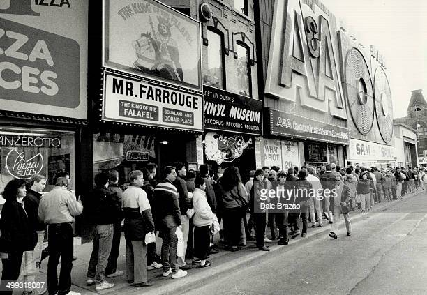 Recordbreaking crowds Wouldbe bargainsnatchers lined up outside A A record store and Sam the Record Man on Yonge St yesterday hours before the 11 am...