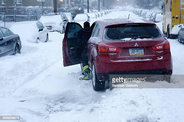 Record-breaking Snowfall Hits U.S. East Coast