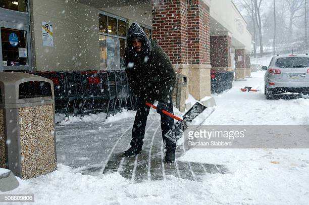 record-breaking snowfall hits u.s. east coast - basslabbers, bastiaan slabbers stock pictures, royalty-free photos & images