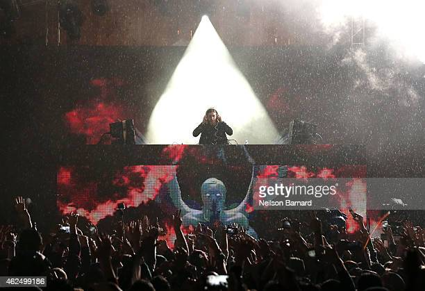 Recording artist Alesso performs onstage at the HGTV Lodge during Day 2 of the DirecTV Super Fan Festival at Pendergast Family Farm on January 29...