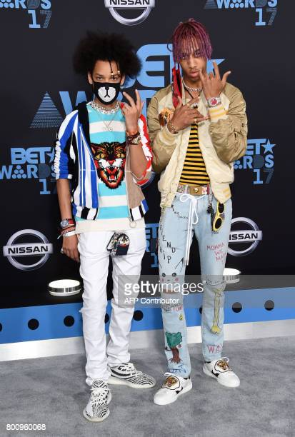 Recording artist Ayo Teo pose upon thei arrival at the BET Awards ceremony on June 25 in Los Angeles California / AFP PHOTO / CHRIS DELMAS