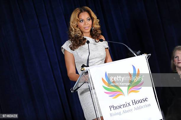 Recording artist Beyonce Knowles attends the unveiling of the Beyonce Cosmetology Center on March 5 2010 in New York City