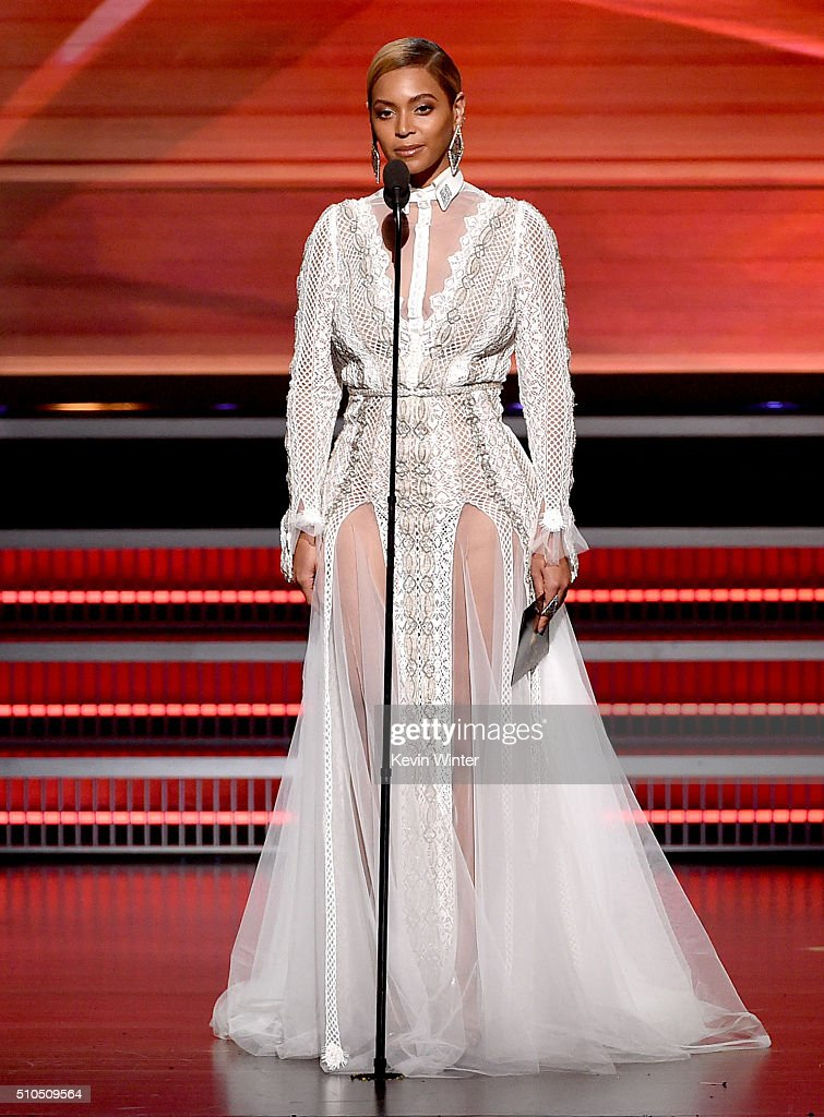 The 58th GRAMMY Awards - Show : News Photo