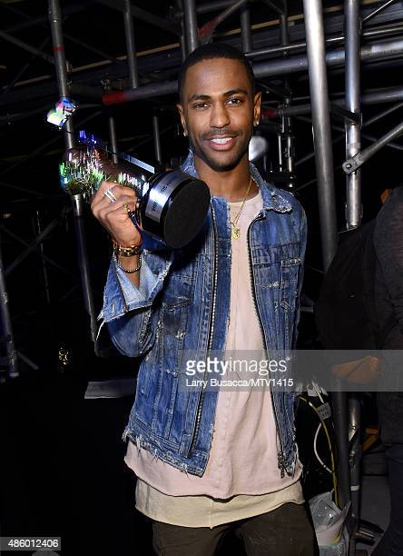 Recording artist Big Sean after he accepted the Video with a Social Message award for 'One Man Can Change The World' at the 2015 MTV Video Music...