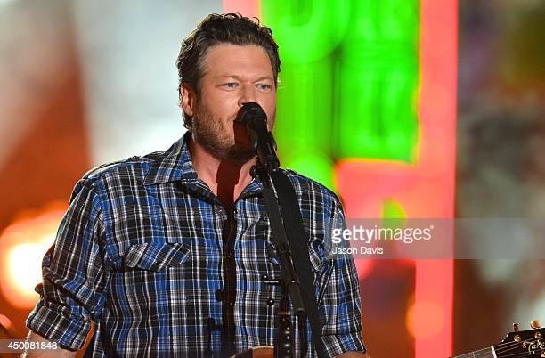 Recording Artist Blake Shelton performs during the 2014 CMT Music awards at the Bridgestone Arena on June 4 2014 in Nashville Tennessee
