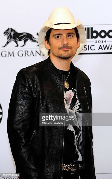 8d83985e0ec2c Recording artist Brad Paisley attends the 2014 Billboard Music Awards press  room at the MGM Grand