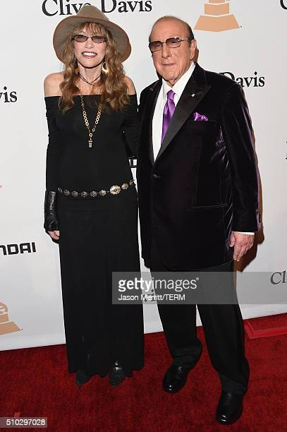 Recording artist Carly Simon and host Clive Davis attend the 2016 PreGRAMMY Gala and Salute to Industry Icons honoring Irving Azoff at The Beverly...