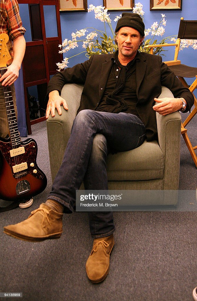 Recording artist Chad Smith attends a taping of the 'Dr. Phil' television show, announcing 'Little Kids Rock Across America' at Paramount Pictures Studios on December 7, 2009 in Los Angeles, California.