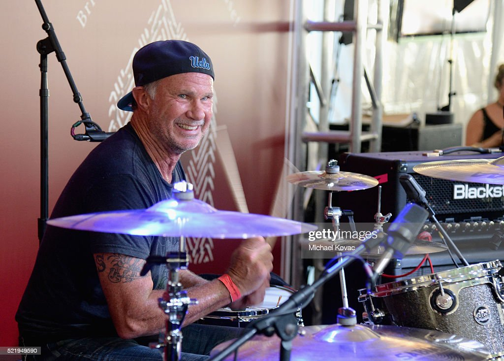 Recording artist Chad Smith performs onstage during the John Varvatos 13th Annual Stuart House benefit presented by Chrysler with Kids' Tent by Hasbro Studios at John Varvatos Boutique on April 17, 2016 in West Hollywood, California.