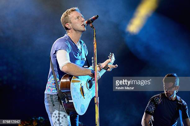 Recording artist Chris Martin of Coldplay performs onstage during the Coldplay A Head Full of Dreams Tour at MetLife Stadium on July 17 2016 in East...