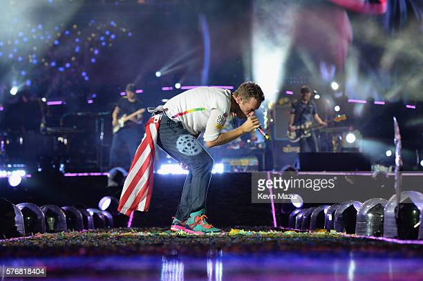 Recording artist Chris Martin of Coldplay performs onstage during the Coldplay 'A Head Full of Dreams' Tour at MetLife Stadium on July 17 2016 in...