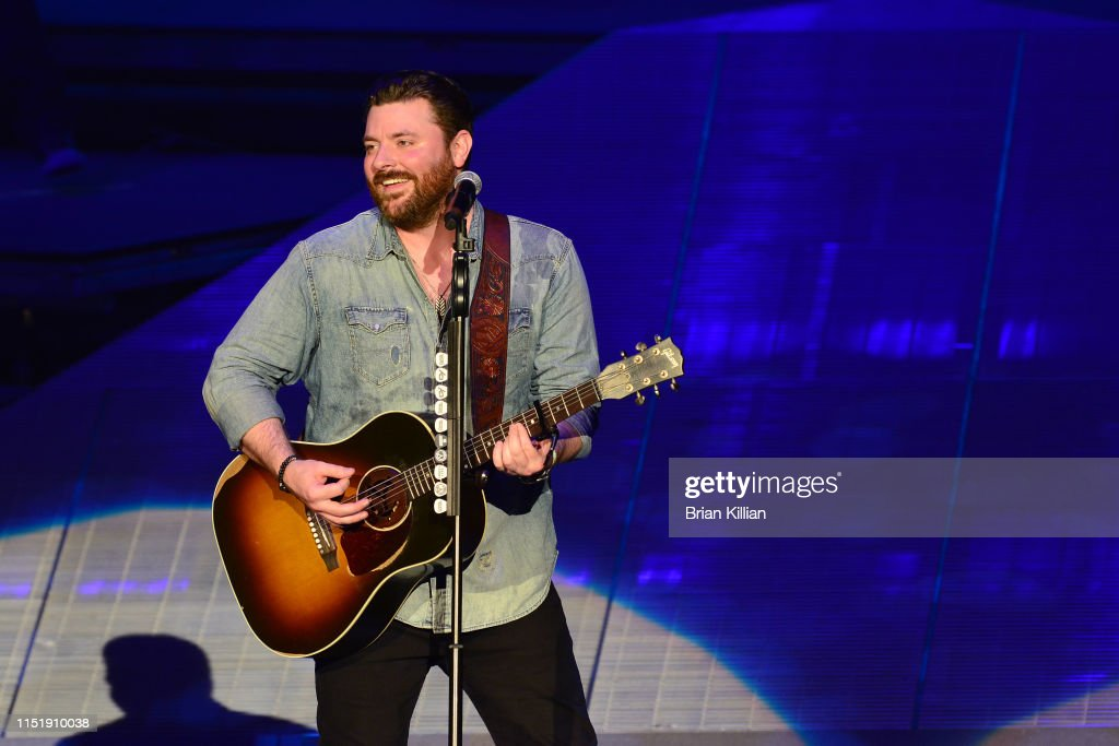 NJ: Chris Young With Chris Janson and Dylan Scott In Concert - Holmdel, NJ