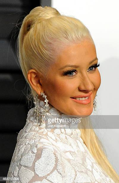 Recording artist Christina Aguilera fashion detail attends the 2015 Vanity Fair Oscar Party hosted by Graydon Carter at Wallis Annenberg Center for...