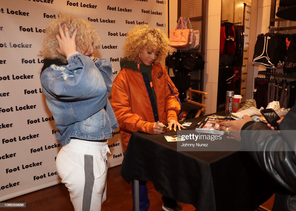 DaniLeigh Lady's Foot Locker Store Appearance : News Photo