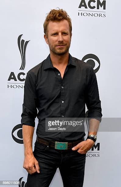 Recording artist Dierks Bentley arrives at the 10th Annual ACM Honors at the Ryman Auditorium on August 30, 2016 in Nashville, Tennessee.