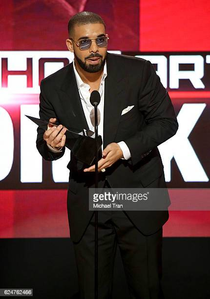 Recording artist Drake accepts the award for Favorite Rap/HipHop artist onstage during the 2016 American Music Awards held at Microsoft Theater on...