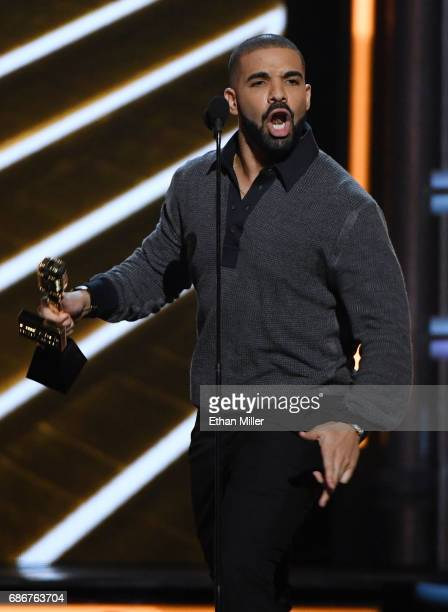 Recording artist Drake accepts the Top Billboard 200 Album award for Views during the 2017 Billboard Music Awards at TMobile Arena on May 21 2017 in...