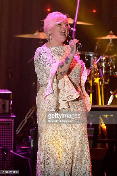 Recording artist Elle King performs onstage during the 2016 PreGRAMMY Gala and Salute to Industry Icons honoring Irving Azoff at The Beverly Hilton...