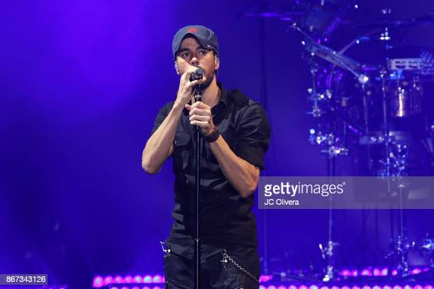 Recording artist Enrique Iglesias performs onstage at The Forum on October 27, 2017 in Inglewood, California.