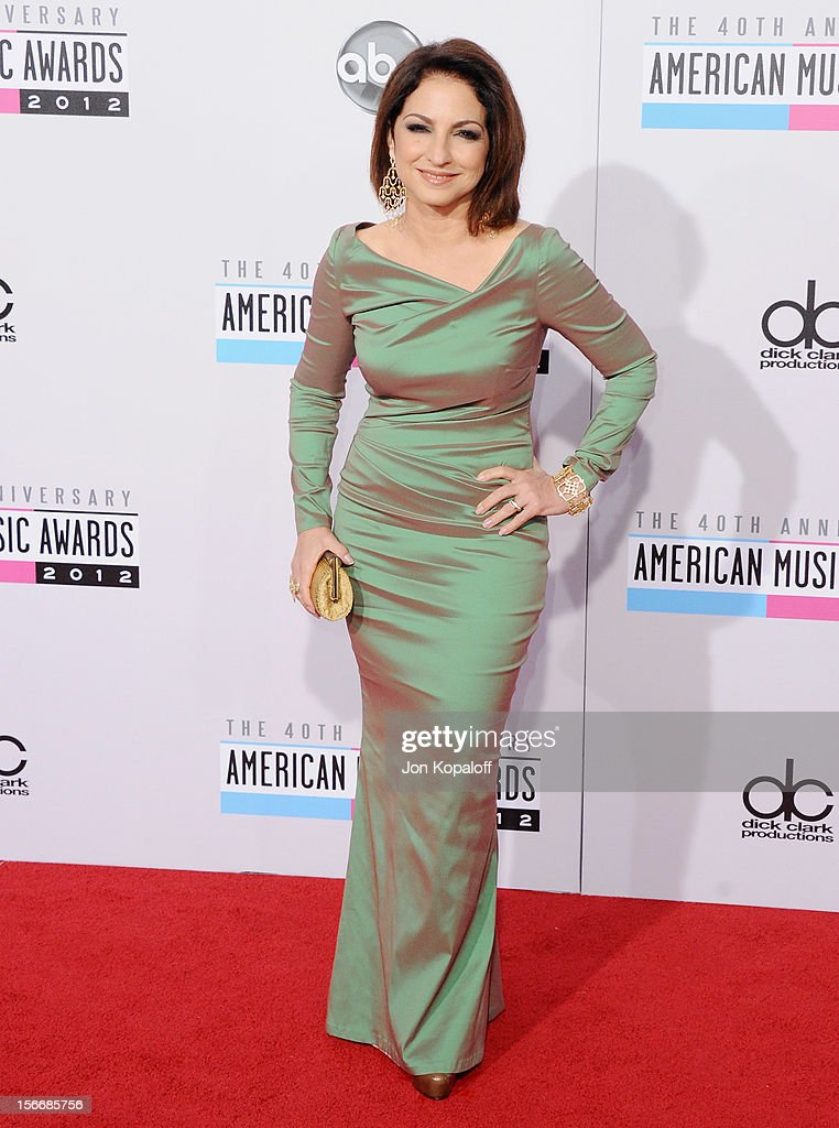 Recording artist Gloria Estefan arrives at The 40th American Music Awards at Nokia Theatre L.A. Live on November 18, 2012 in Los Angeles, California.