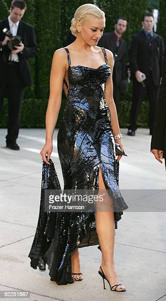 Recording artist Gwen Stefani arrives at the Vanity Fair Oscar Party at Mortons on February 27 2005 in West Hollywood California