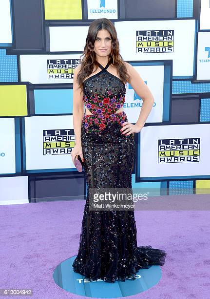 Recording artist Idina Menzel attends the 2016 Latin American Music Awards at Dolby Theatre on October 6 2016 in Hollywood California