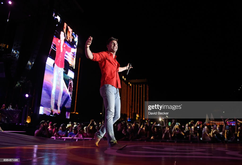 Recording artist Jake Owen performs during the Route 91 Harvest country music festival at the Las Vegas Village on October 1, 2017 in Las Vegas, Nevada.