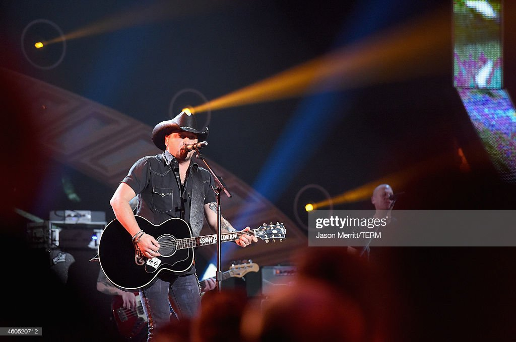 Recording artist Jason Aldean performs onstage during the 2014 American Country Countdown Awards at Music City Center on December 15, 2014 in Nashville, Tennessee.