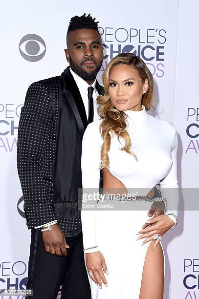 Recording artist Jason Derulo and actress Daphne Joy attend the People's Choice Awards 2016 at Microsoft Theater on January 6 2016 in Los Angeles...