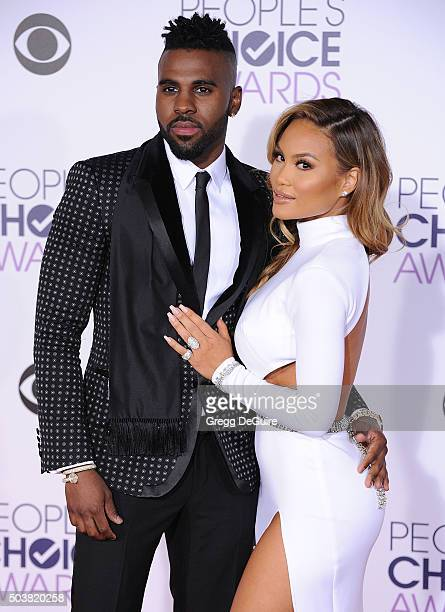 Recording artist Jason Derulo and Daphne Joy arrive at the 2016 People's Choice Awards at Microsoft Theater on January 6 2016 in Los Angeles...