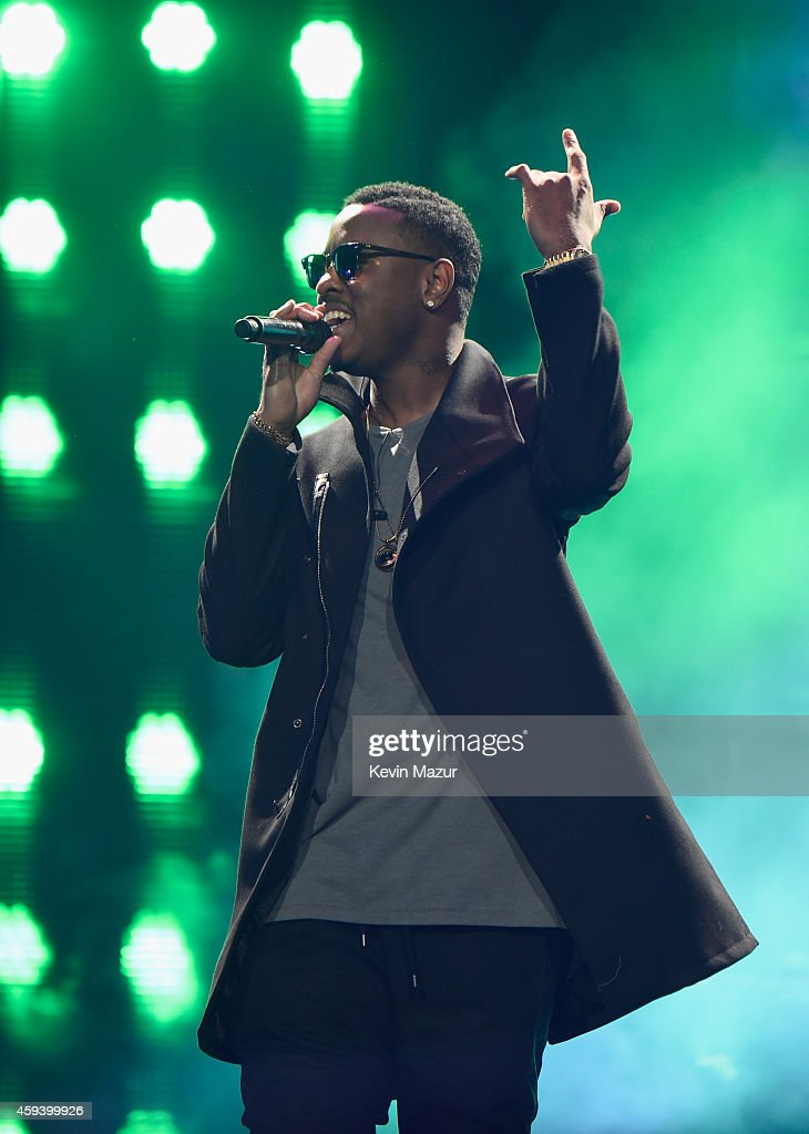 """Usher """"The UR Experience"""" Tour - Los Angeles"""